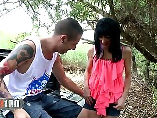 Arab Milf slut gets fucked in the ass outdoors