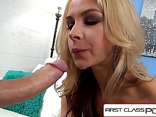 Spizoo - Sarah Vandella take a huge cock in her throat, big tits and bubble butt