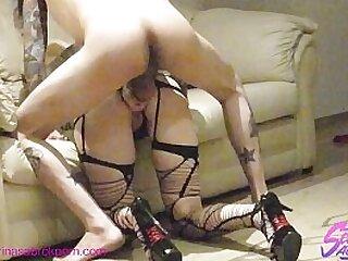 Sabrina Sabrok sexo duro doggystyle de noche