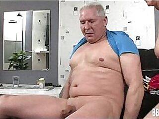 German milf gets tits jizzed